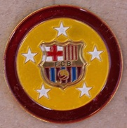 FC BARCELONE - BARCELONA - FOOTBAL CLUB - ESPAGNE - CATALOGNE - FOND JAUNE BORD GRENAT   -      (16) - Football