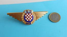 CROATIAN RAILWAYS - Large Official Enamel Hat Cap Badge * Chemins De Fer Bahn Ferrovie Ferrocarriles Railroads Railway - Railway