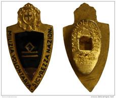 DISTINTIVO MILIZIA VOLONTARIA SICUREZZA NAZIONALE CAPO SQUADRA *** Smalto Rotto  #MD2074 - Italia
