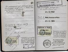1956 - PASSEPORT FRANÇAIS Avec Timbres Fiscaux - - Documents Historiques