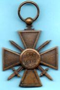 A1/ FRANCE  Médaille CROIX De GUERRE 1914 - 1915 Sans Ruban - France