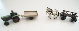 Lot 2 Attelages Miniatures (tracteur Et Chevaux)  1960 - Autres Collections