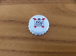 """Capsule De Bière * """"1664 De Kronenbourg"""" Fond Blanc Dap Type 2 (lettre K Intérieur) - Bière"""