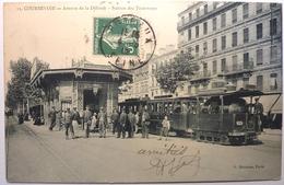 AVENUE DE LA DÉFENSE - STATION DES TRAMWAYS  - COURBEVOIE - Courbevoie