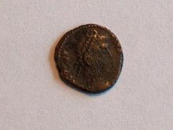 Monnaie ROMAINE 44 Constance II D N CONSTANTIVS P F AVG VOT XX MVLT XXX SMHA Héraclée RIC 54 Poids 1.4g Diam 1.5cm - 5. The Military Crisis (235 AD To 284 AD)