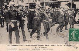V8372 Cpa Militaire - Les Funerailles Du Général Brun, Ministre De La Guerre - Militaria