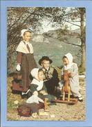 Annecy (74) L'écho De Nos Montagnes Groupe Folklorique 16 Rte De Vovray 2 Scans Costumes De Région Jouets Cheval De Bois - Annecy