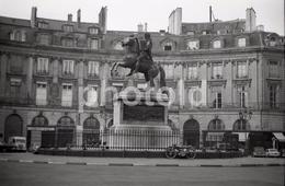 1963 PLACE DES VICTOIRES PARIS FRANCE 35mm  AMATEUR NEGATIVE NOT PHOTO NEGATIVO NO FOTO - Other