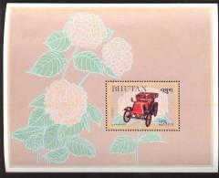 MINT NEVER HINGED SOUVENIR SHEET OF CARS  # 096-3  ( BHUTAN   441  RENAULT  1901 - Auto's