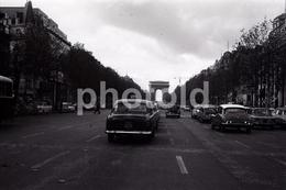 1963 TAXI AVENUE CHAMPS ELYSEES  PARIS FRANCE 35mm  AMATEUR NEGATIVE NOT PHOTO NEGATIVO NO FOTO - Other