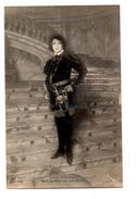 """FEMME ARTISTE . SARAH BERNHARDT DANS """" LA BELLE AU BOIS DORMANT """" . PHOTO H. MANUEL - Réf. N°1935 - - Femmes Célèbres"""