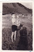 Old Original Photo - Little Boy With A Blowing Bugle Posing 8.5x5.8 Cm - Persone Anonimi