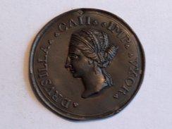 Plaque DRUSILLA CAII IMP VXOR 5.5cm 9.7g Italian Grand Tour Souvenir Medaillon Bronze - Jetons & Médailles