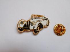 Superbe Pin's En Zamac  , Auto Bugatti 57S Cabriolet , Signé Ballard - Pin's