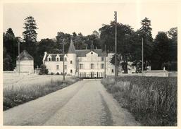 BOISSY LA RIVIERE - Domaine De Bierville En 1955 (photo 13x18cm Environ ). - Lieux