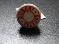Ancien Bouchon En Porcelaine Avec Publicité Aubert Pezenas (Hérault) - Capsules & Plaques De Muselet