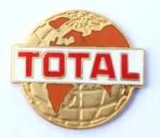 Pin'sTOTAL - Le Globe Terrestre - Fond Rouge -  Arcane - G278 - Fuels