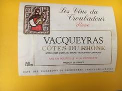 4006 - Les Vins Du Troubadour Rosé Vacqueyras - Musique
