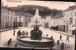CPA 88 REMIREMONT Place De La Courtine , Fontaine Animé - Remiremont