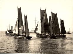 OOSTENDE VOILIER PECHEURS 1914   +- 24 * 18 CM  REAL PHOTOGRAPH BOAT BARCO  BOAT Voilier - Velero - Sailboat - Bateaux