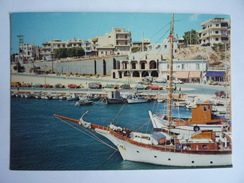 GREECE GRECE GRIECHENLAND - RAPHINA RAFINA : VUE DU DEBARCADERE LANDING STAGE PIER MOLO -  BATEAU SHIP BARCO - Greece