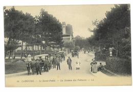 CPA 14 CABOURG LE ROND-PONT LA STATION DES VOITURES - Cabourg