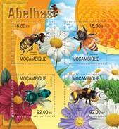 MOZAMBIQUE 2013 SHEET BEES ABEJAS BIENEN ABELHAS ABEILLES INSECTS Moz13316a - Mozambique