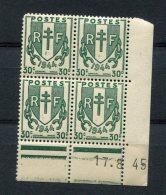 2268    FRANCE   N° 671  Chaînes Brisées 30 C Du 17/08/45   SUPERBE - Coins Datés