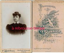 CDV  Joli Portrait De Femme Très Collet Monté-mode-photo Bonnier à Paris - Photographs