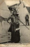 TRES RARE    VILLAGE DE PEAUX ROUGES AU JARDIN  D´ACCLIMATATION  BEAR SAVE LIFE JEUNE INDIENNE SIOUX - Indiani Dell'America Del Nord