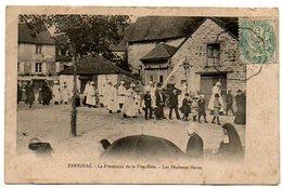 19 - Corrèze / TREIGNAC -- La Procession De La Fête-Dieu. Les Pénitents Blancs. - Treignac