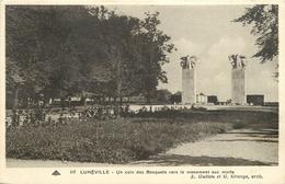 LUNEVILLE UN COIN DES BOSQUETS VERS LE MONUMENT AUX MORTS - Luneville