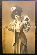 Postcard Actress Fashion Clothing Woman (760.) - Acteurs