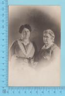 Carte Postale Photo - Mère Et Fille  - Carte Postale Post Card, Cartolina, Papier Cyco 1904-20  -2 Scans - Photographie