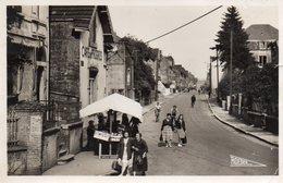 54.LONGLAVILLE.....CPSM...1951....ANIMEE....RUE ALSACE LORRAINE.......LOT F2724 - France