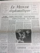 Fac Similé 12 Pages Du N° 1 Du Monde Diplomatique Mai 1954 (2004) - Politik