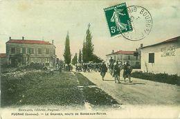 Cpa PUGNAC 33 Le Gravier - Route De Bordeaux Royan - Passage D'un Régiment - - France
