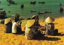 CUOC SONG HANG NGAY ATTENDANT L'ARRIVEE DES POISSONS (dil247) - Viêt-Nam