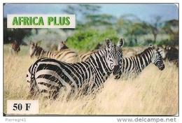 CARTE-PREPAYEE-AFRICA PLUS-50F-TROUPEAU DE ZEBRES DANS SAVANE-R° Glacé-Verso N° CODE -Fond Noir-TBE - Andere Voorafbetaalde Kaarten