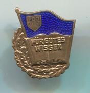 FDJ / Fur Gutes Wissen  -  DDR East Germany, Vintage Pin, Badge, Abzeichen, Enamel - Pin's