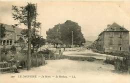38 - 030517 - LA MURE - Le Rondeau -  Parc - La Mure