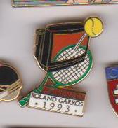 Pin's   ROLAND GARROS 1993 SIGNE ARTHUS BERTRAND - Tennis