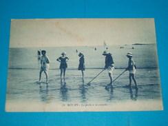 17 ) Royan - La Peche à La Crevette - Année 1928 - EDIT - Artaud - Royan