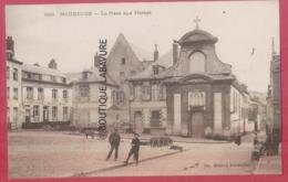 59 - MAUBEUGE---La Place Aux Herbes---animé - Maubeuge