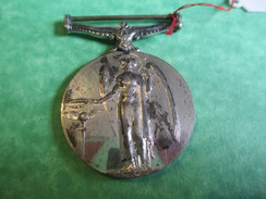 Médaille  Sans Ruban / Georgius V Britt: Omn: Rex Et Ind:Imp:/Angleterre/ /Vers 1920-1930        MED130 - Insignes & Rubans
