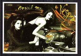 Cartolina In Onore Della  Vespa  Piaggio. Caratteristica, Da Collezione. Nr 4/12 - Moto