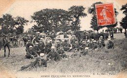 V8733 Cpa Militaire - Armée Française En Manoeuvres - Militaria