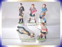 Foot , La Victoire Du Foot Mat ... Lot De 5 Fèves... Ref. AFF :115-2002 ...(pan 0031) - Sports