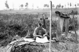 Militaria WW1  - Soldat Belge Sur La Tombe D'un Camarade - 1914-18