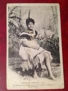 NOUVELLES HEBRIDES Aoba Femme En Costume De Fete (feuilles De Pandanus) - Cartes Postales